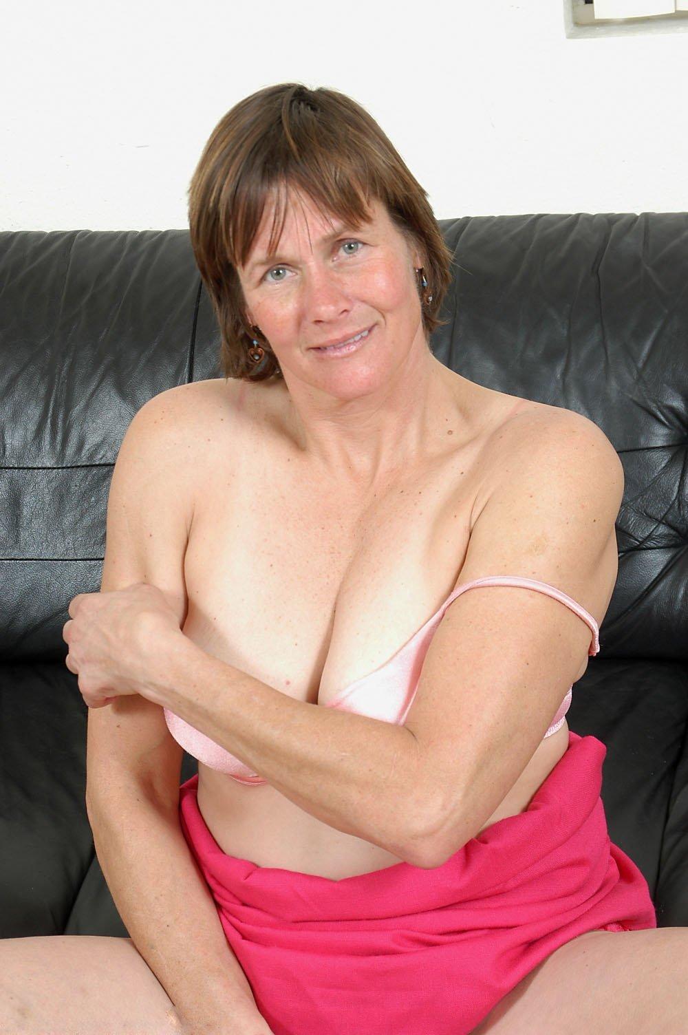 seXysEcreTaryBelle from Ards,United Kingdom